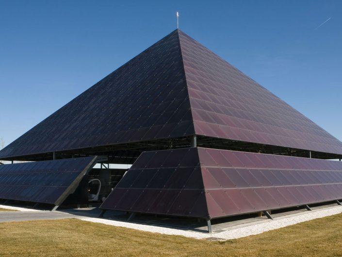 Pirámide fotovoltaica